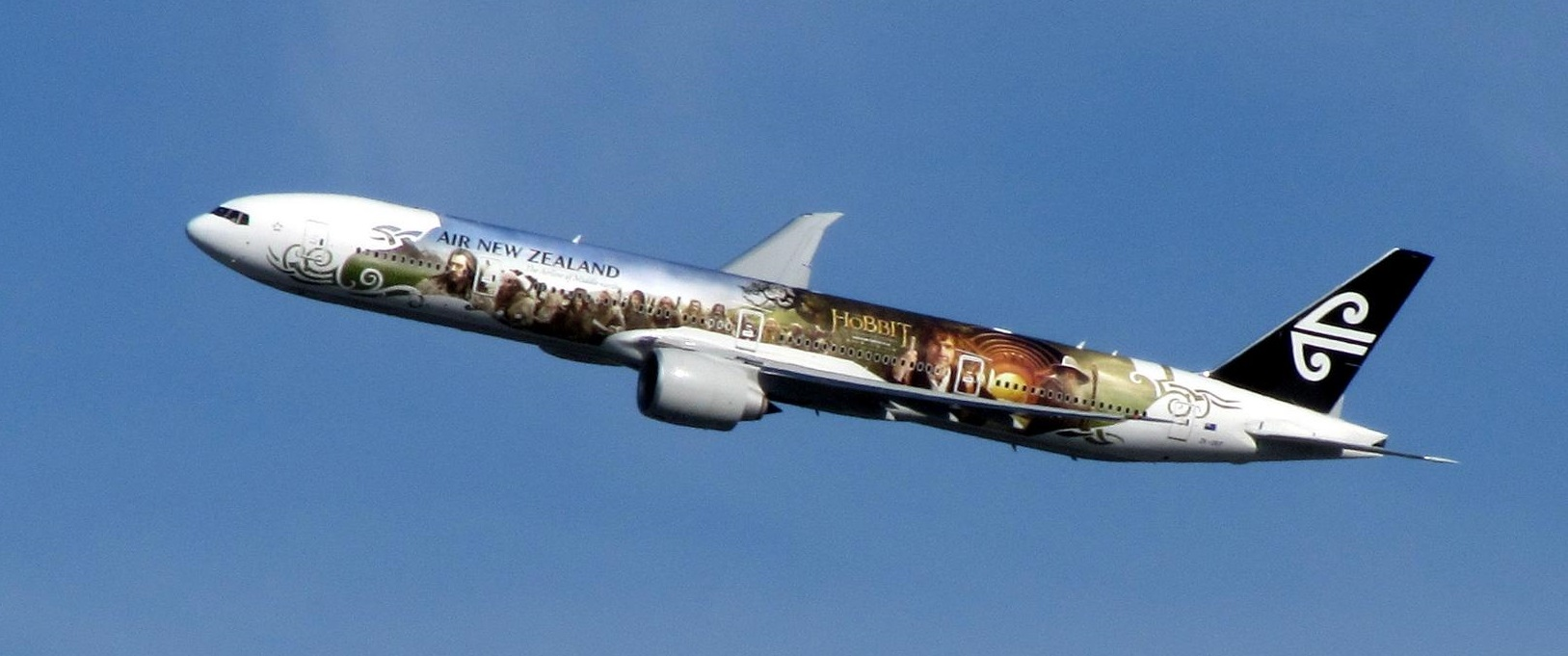 Air New Zealand aircraft with livery of The Hobbit movie